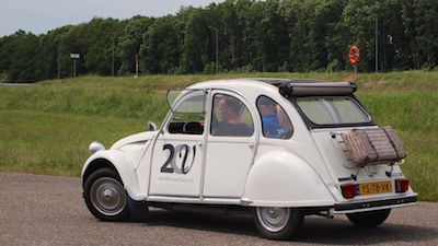 Back on memory lane, nostalgie in een 2CV
